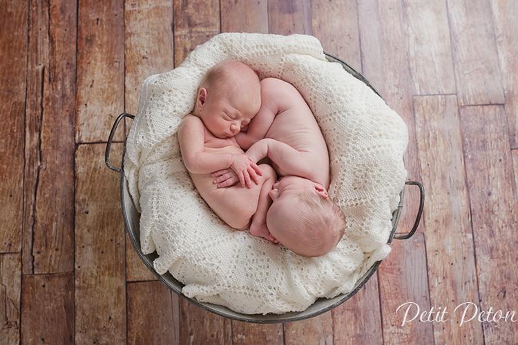 Photographe nouveau né jumelles Paris