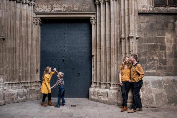 Pourquoi réaliser une séance photo en famille en extérieur ?
