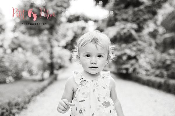 Photographe enfants Paris – Balade en famille au parc de Bagatelle