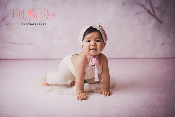 Séance photo studio Val de Marne – Séance photo avec un adorable bébé